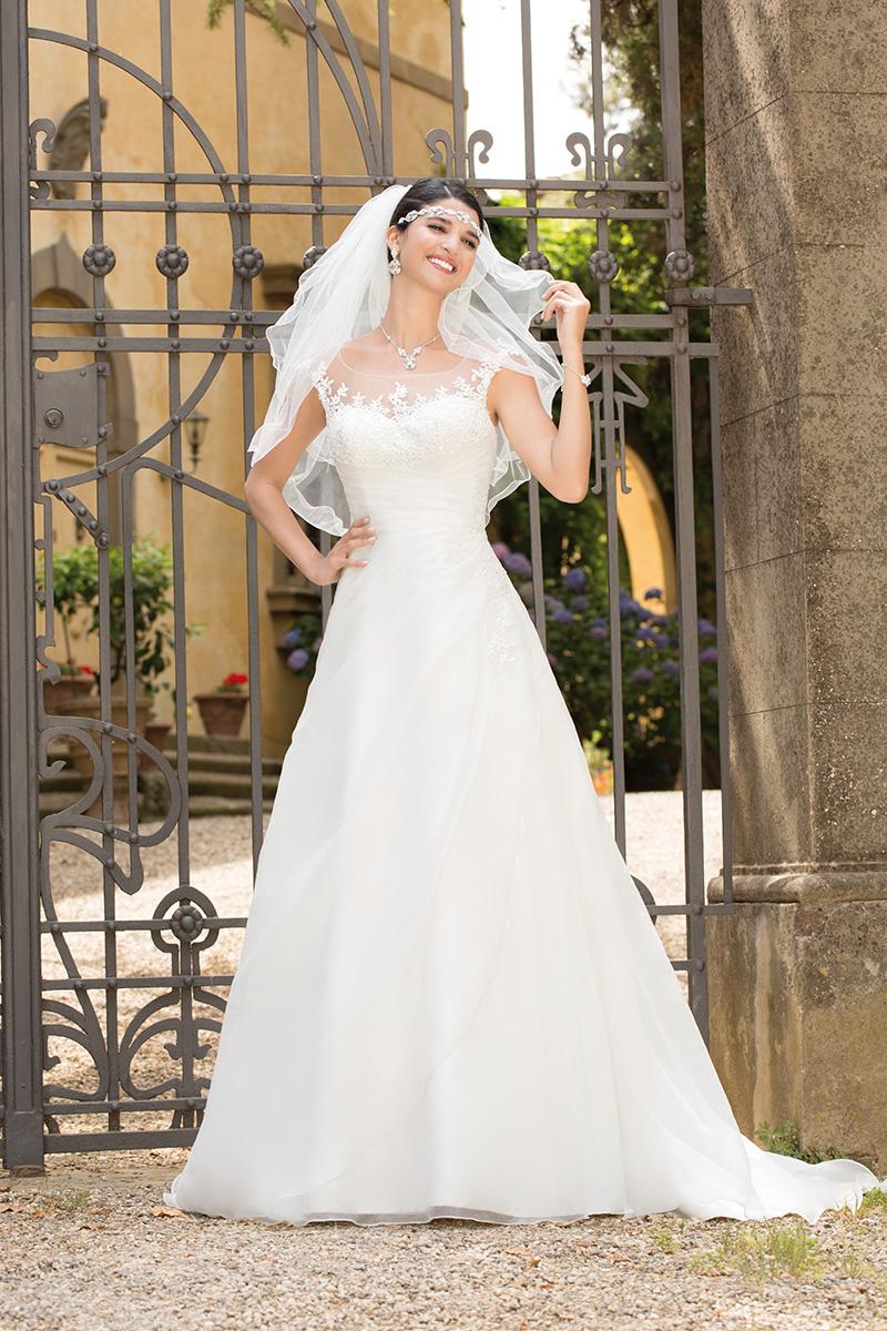 Atemberaubend Nicht Traditionelle Brautkleider übergröße ...