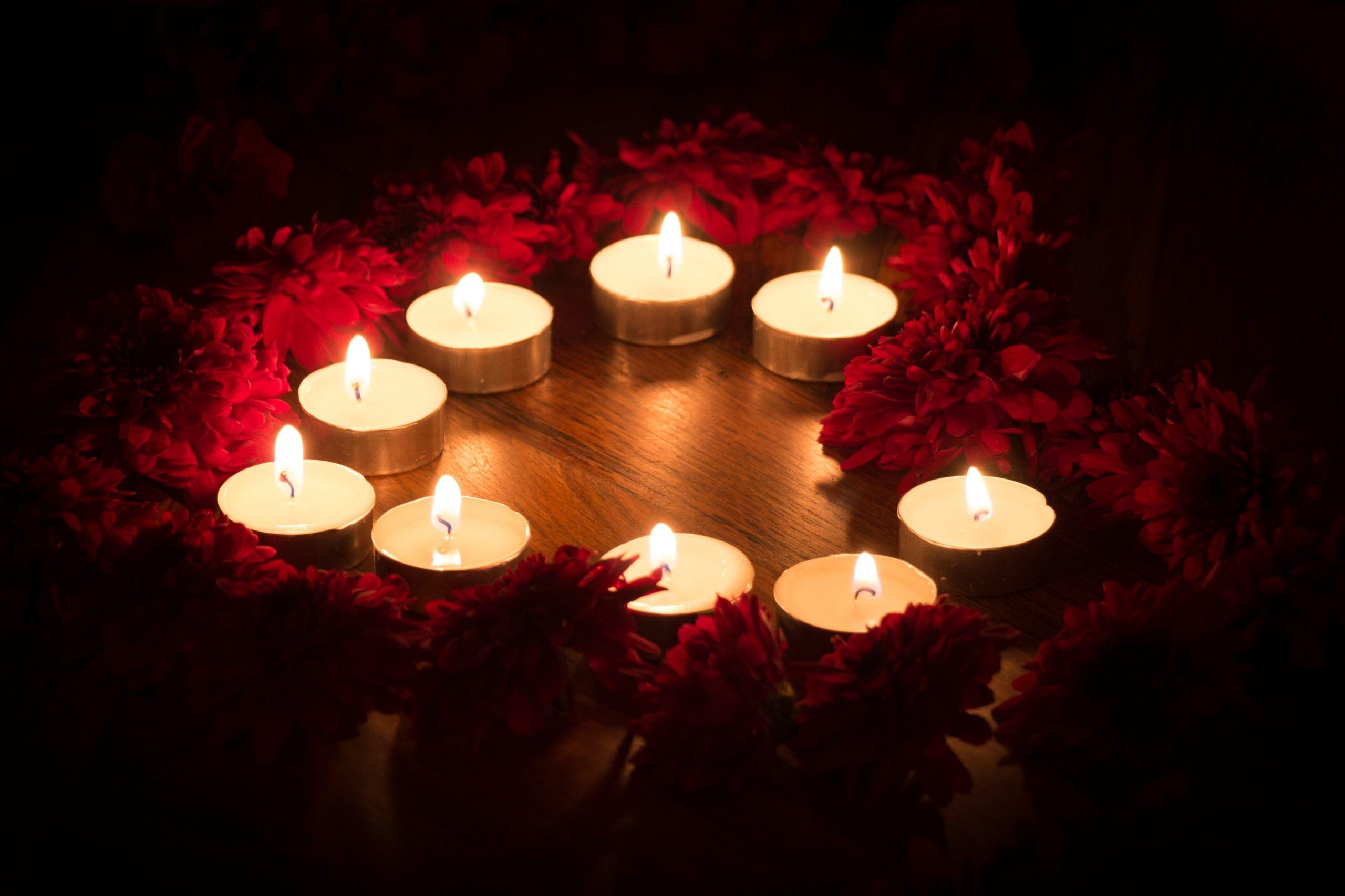 Kerzen-Herz-romantik-1-scaled